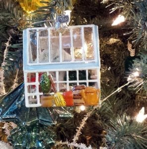 xmas-ornament-greenhouse-2